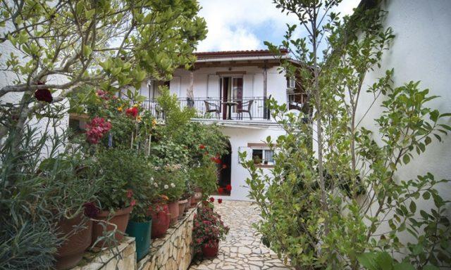 Rooms to Let & Apartments | Gaios Paxos Corfu | Rula Studio & Apartments