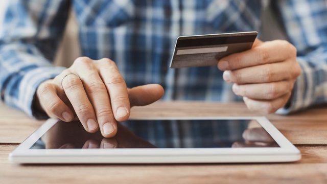 Το 22% των Ελλήνων ψώνισε πρώτη φορά online μέσα στην καραντίνα